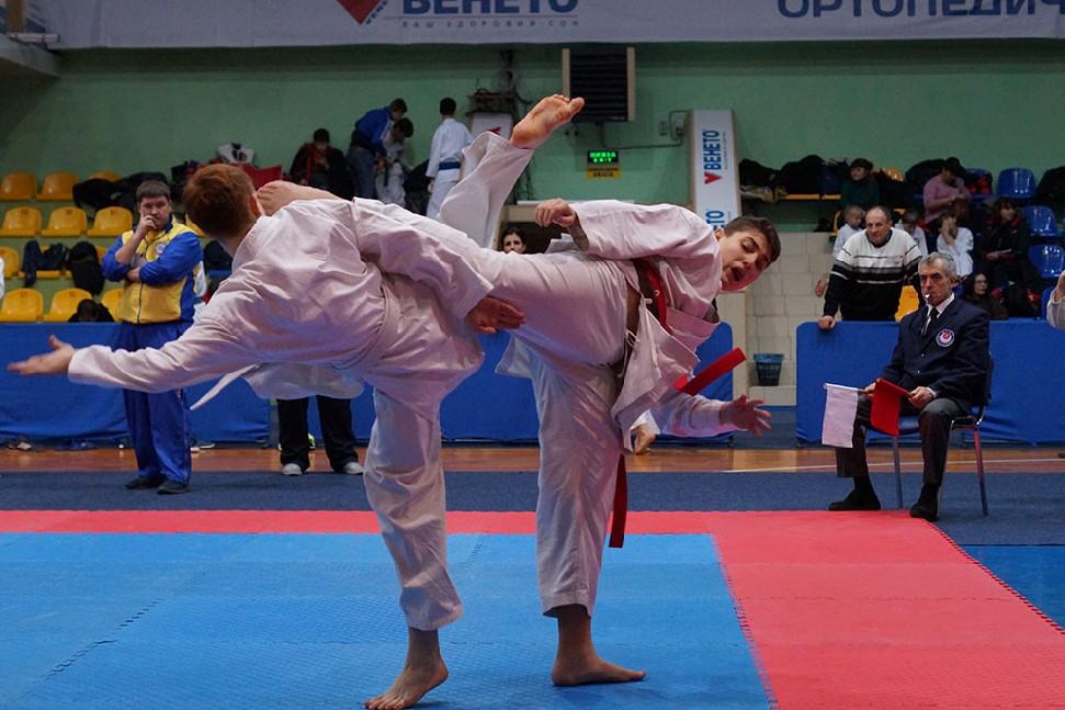 013-4-vidkritiy-chempionat-ukrayini-z-karate-dzhitsu